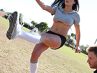 BFL's star punter, Erin, has just come back from vacation...and that babe's lost her punt-kick! Trainer Levi tries to receive her back on track, but it ends in disaster when, instead of kicking the ball, that babe smokes..