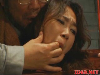 Japanese AV Model girl masturbates