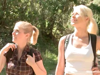 Blonde haired tourists Anikka Albright and Penny Pax