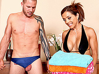 `Francesca is a smokin' hawt mother I'd like to fuck who spends her morning like any other - this honey goes for a swim and massages her scoops to a seductive soundtrack. This Day, however, Francesca is joined by her..