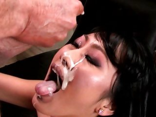 Evelyn Lin receives her face plastered with sexy jism