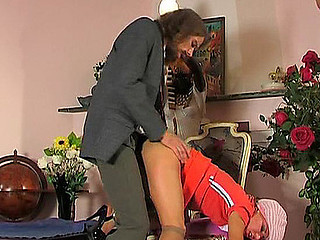 Experienced male letting girlie swallow a little previous to from-behind frenzy
