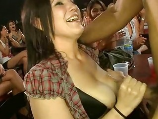Cute hotty gets her pussy