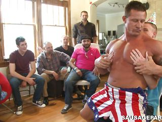 This is one wild gay bithparty. A good-looking striper is giving a very hot lap dance during the time that he slowly undress and receives his jock sucked by the celebrated dude. After that he begins swinging his hard..