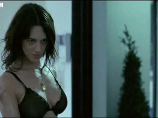 Bonerific Italian Babe Asia Argento Walking Around In Black Underware