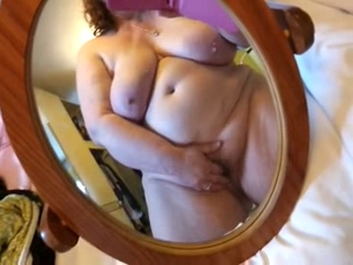 BBW cumming on phone cam 2
