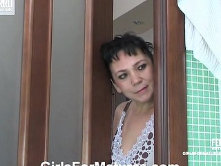 Nasty mother i'd like to fuck spying on a hotty in the shower and tasting her fresh sweet twat