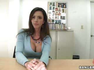 Ariella looks so fine and innocent, you may say that she's a beautiful angel and that blue blouse makes her nice-looking face look even prettier. Don't let the appearance fool you because under that blouse the milf has a..