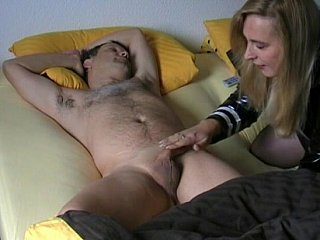 Non-professional wife gives head to her husband