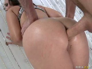 Hot floozy Holly West receives her amazing arse plugged with a hard beefy schlong