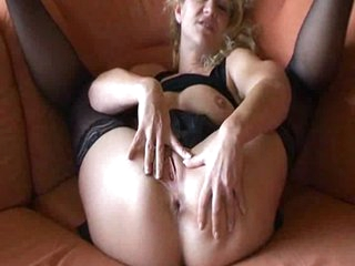 German Dilettante Mature masturbates