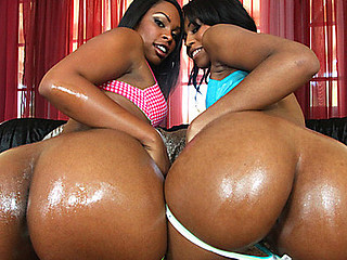 Vanessa and Dolce are two stacked honies. They got arse and they know how to use it. I'd like to watch these two gals in a booty bounce battle. However, this day our chap lee is going to break these beauties of with a..