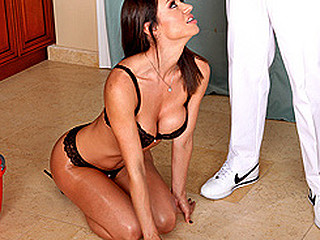 Franceska's house is a mess! That Babe's not quite given up hope. After looking throughout her cleaning products and realizing that babe's got no thing to tackle the large mess, that babe's relieved to have Mr. Sins..